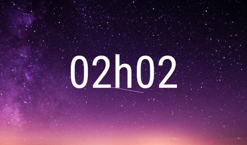 Heure miroir 02h02